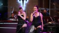 Цветелина Грахич и Лилия Стефанова изпълняват ''Black Velvet''