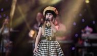 Диана Чаушева изпълнява песента ''Price Tag''