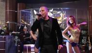 Йордан Йончев-Гъмзата изпълнява песента ''SEX TOP BOX''